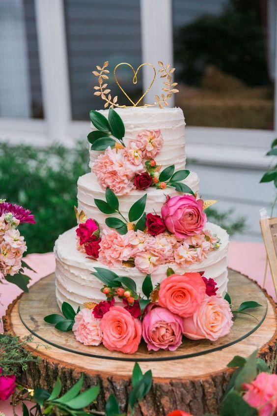 Pastel con rosas para tu fiesta de xv años.
