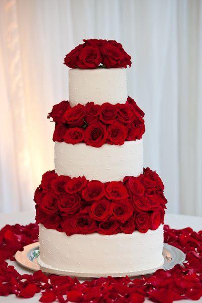 Pastel romántico para tu fiesta de xv años.